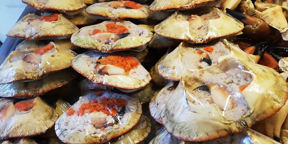 Årets første levering av krabber, både …