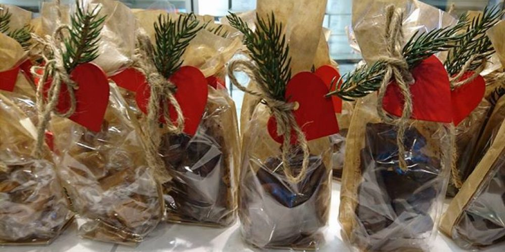 Sjokoladetrøfler og karameller frå Tante Pose, …